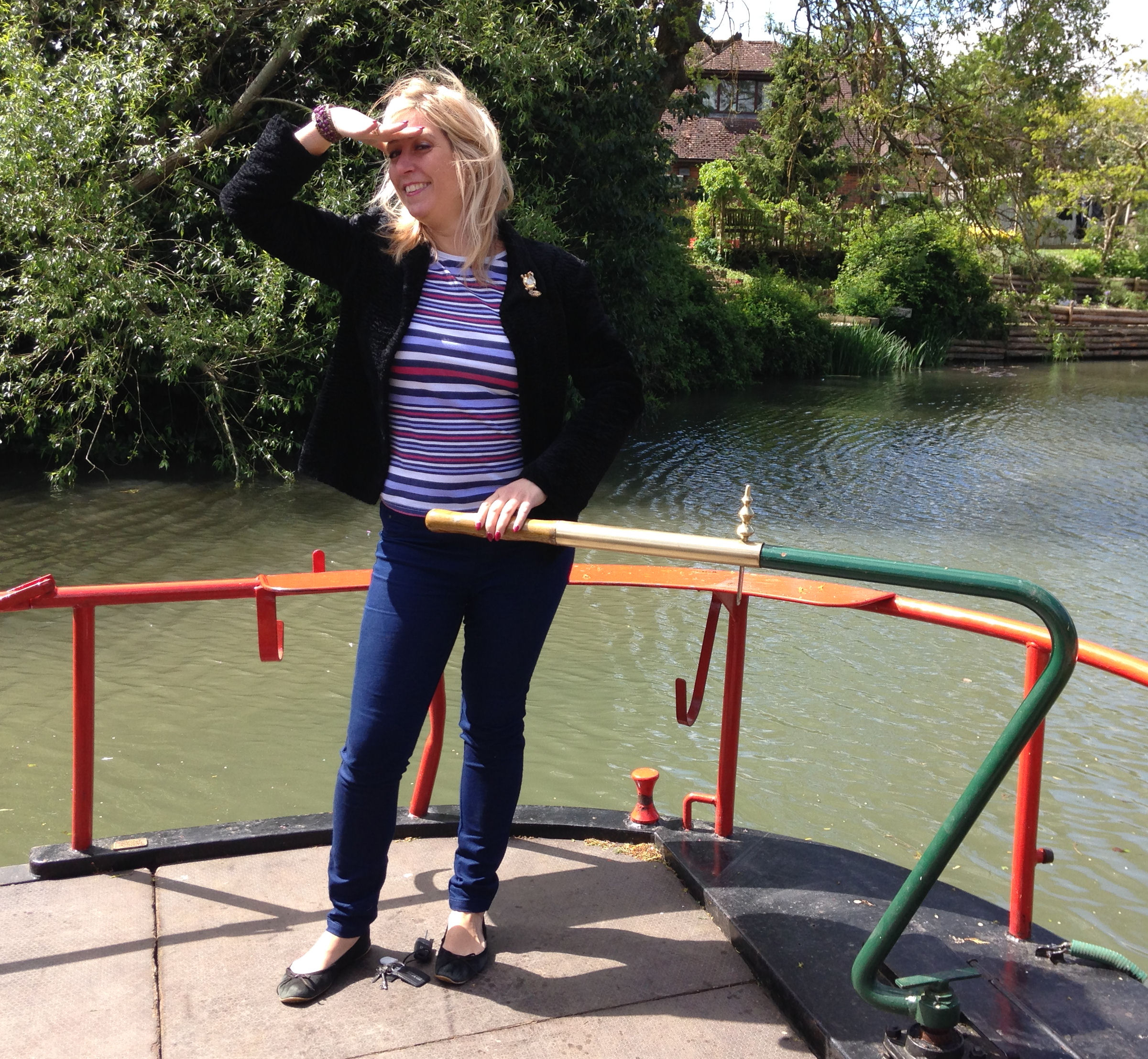 Mel Montagnon presents from the Canal Boat Festival live